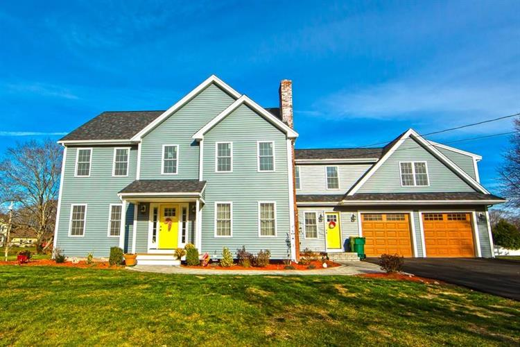 142 Highland Meadow Dr, North Attleboro, MA 02760