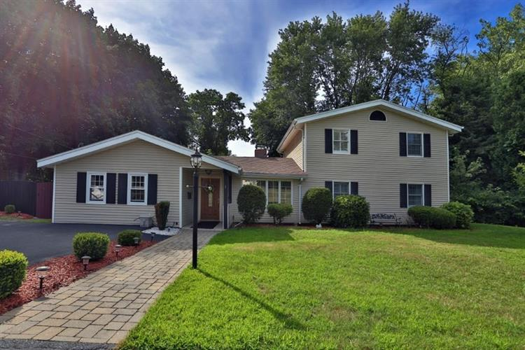 1 Murray St, Peabody, MA 01960