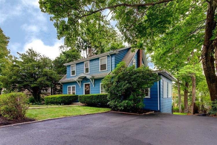 19 Flagg St, Worcester, MA 01602