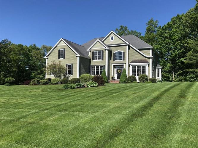 35 Autumn Ridge, Berlin, MA 01503