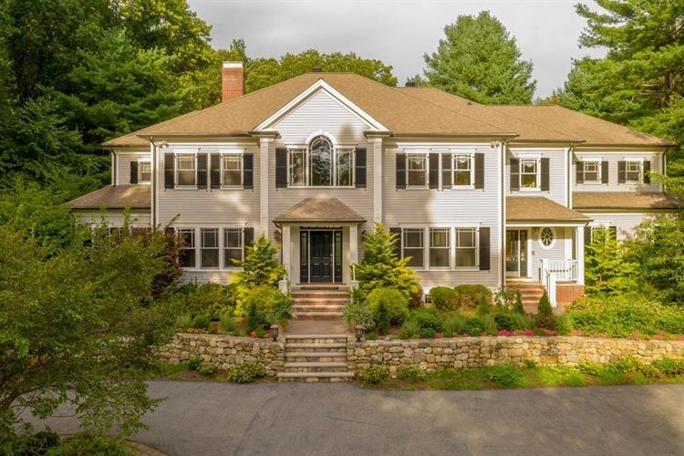 11 Plymouth Road, Weston, MA 02493