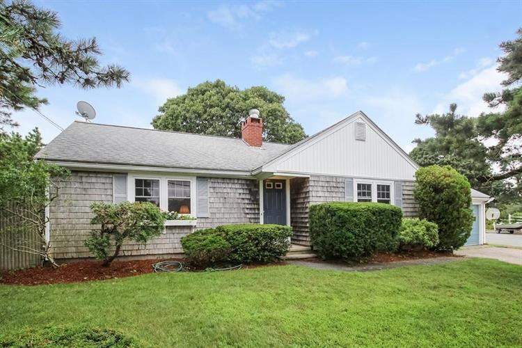 321 Sea St, Dennis Port, MA 02639