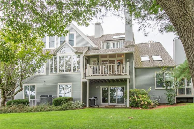 17 Hawthorne Village Road, Nashua, NH 03062