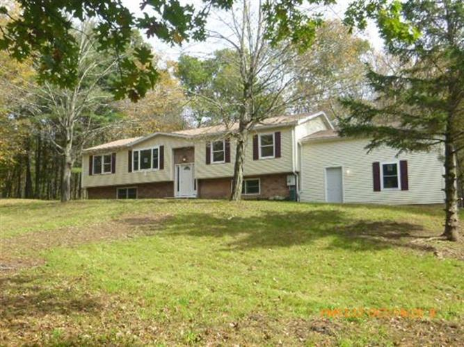 10 Wells Rd, Brookfield, MA 01506