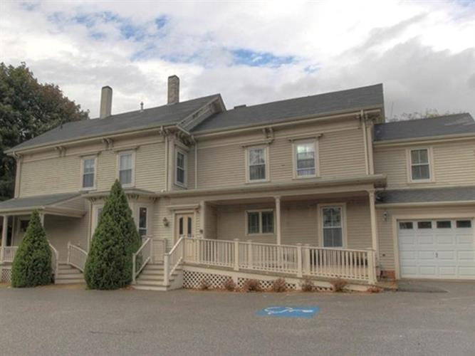 92 South St, Bridgewater, MA 02324