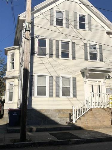 77 Dartmouth St, New Bedford, MA 02740