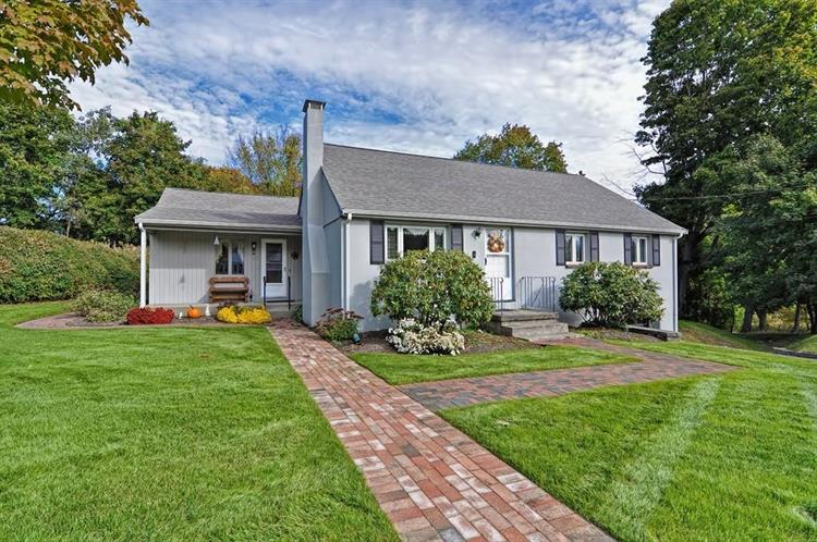35 Autumn Cir, Canton, MA 02021