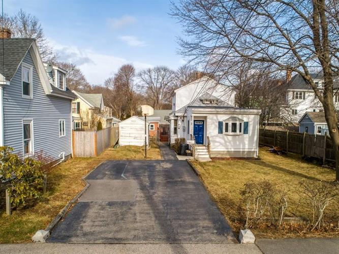 62 Bisson St, Beverly, MA 01915 - Image 1