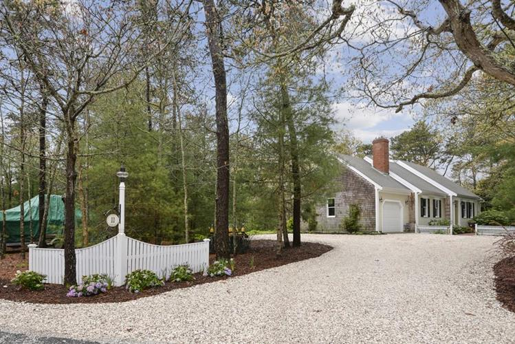 11 Quanset Rd, Orleans, MA 02653 - Image 1