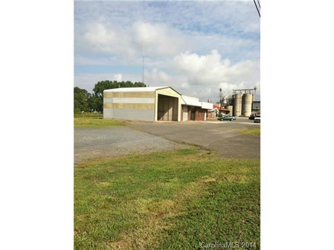 40197 Us Hwy     52 Highway, New London, NC 28127