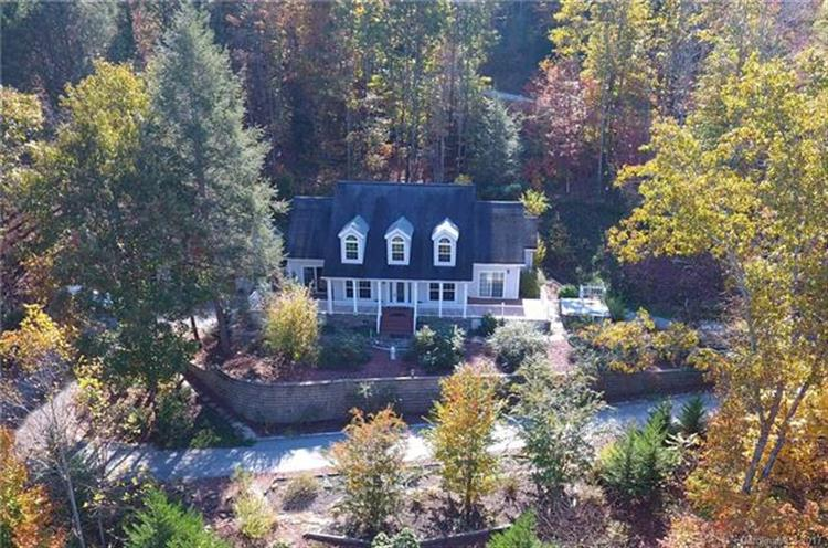 402 Sweetbriar Road N, Lake Lure, NC 28746