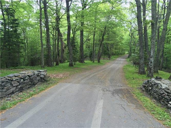 lot 8 Devonshire Place, Jefferson, NC 28640