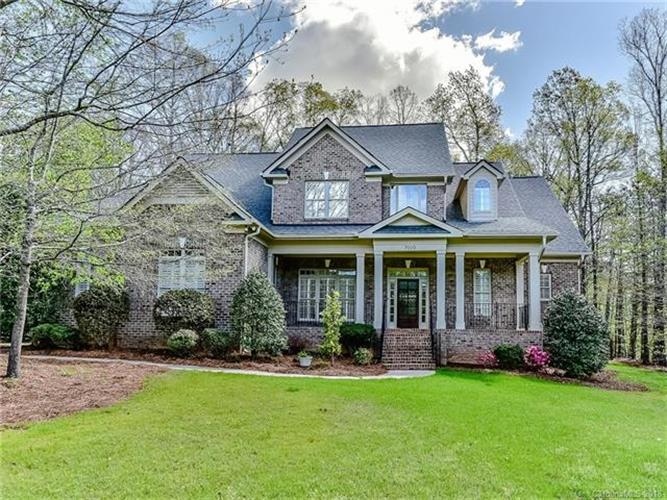 7010 High Oak Drive, Matthews, NC 28104