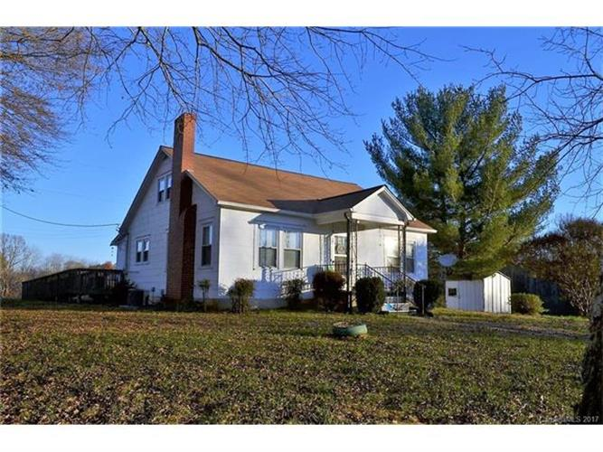 378 Hendren Lane, Hiddenite, NC 28636