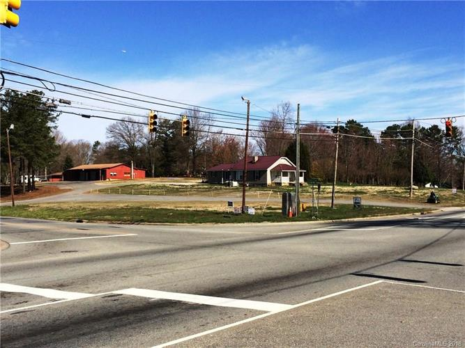 2671, 2693 Maiden Highway, Lincolnton, NC 28092 - Image 1