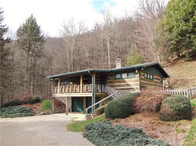 755 Setzer Cove, Maggie Valley, NC 28751