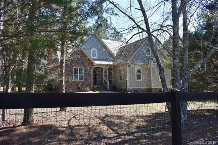 577 Edwards Road, Columbus, NC 28722