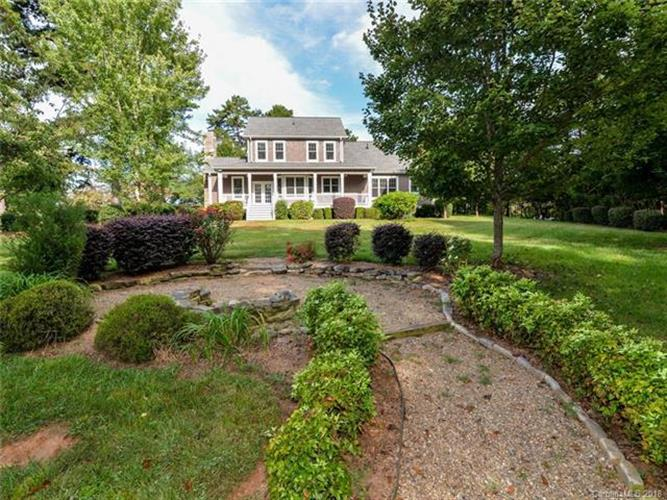 101 Brer Fox Trail, Troutman, NC 28166