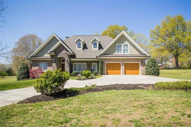 1307 6th Street, Hickory, NC 28601