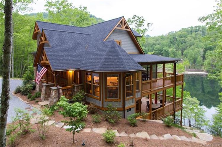 98 Eagle Watch Drive, Tuckasegee, NC 28783