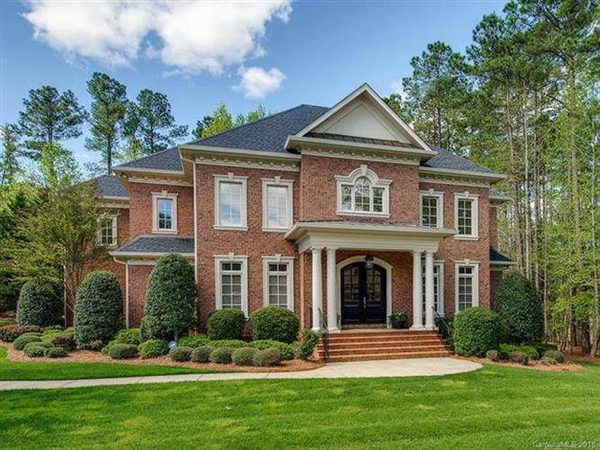 8008 Wicklow Hall Drive, Weddington, NC 28104