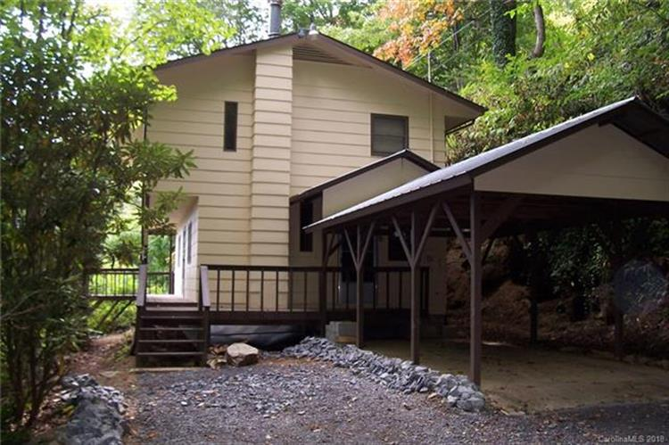 484 Buck Mountain Road, Maggie Valley, NC 28751