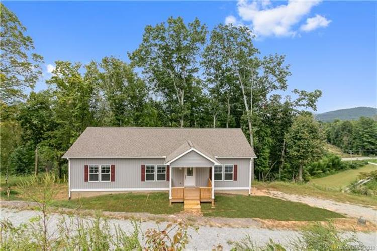 127 Cairens Ridge Drive, Mills River, NC 28759