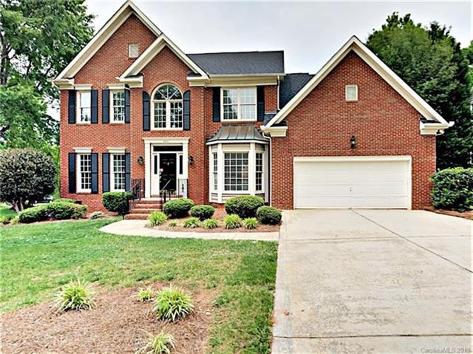 8920 Leinster Drive, Charlotte, NC 28277