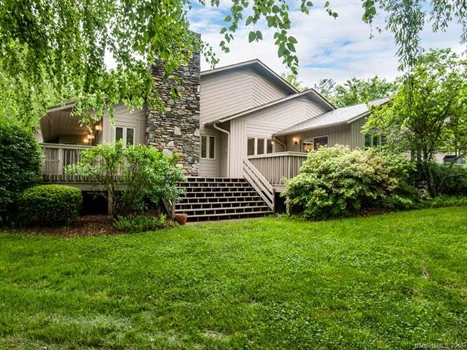28 Clubside Drive, Asheville, NC 28804
