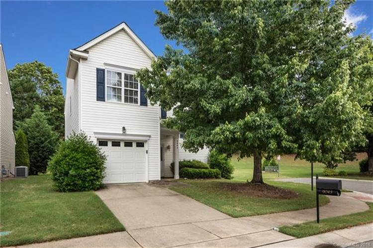 9043 Holland Park Lane, Charlotte, NC 28277