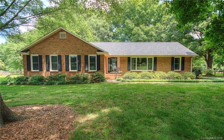 2512 Shelburne Place, Mint Hill, NC 28227