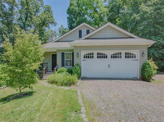 164 Curly Oaks Drive, Clyde, NC 28721