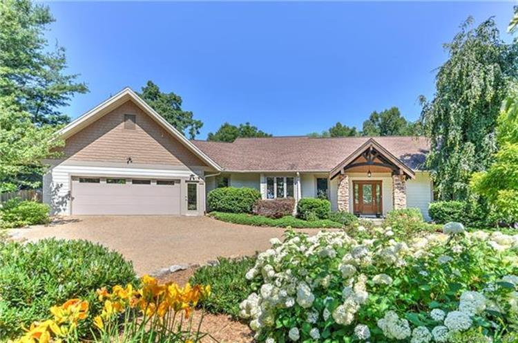 41 Crowningway Drive, Asheville, NC 28804