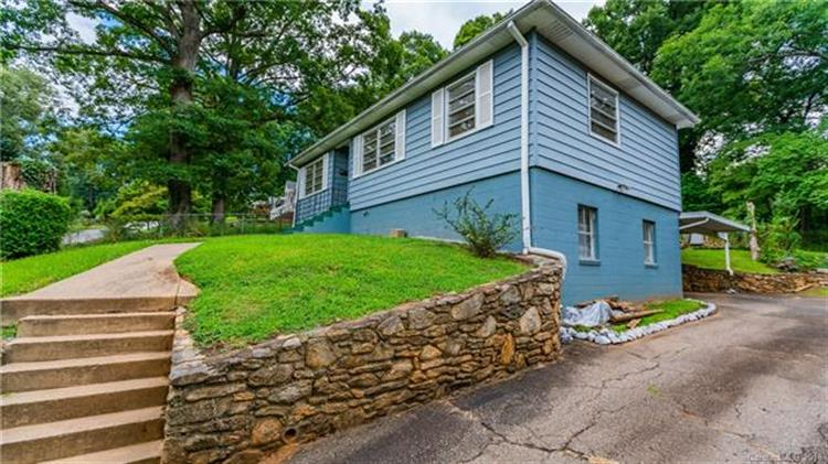 12 Canterbury Road, Asheville, NC 28805