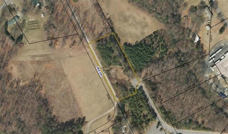 905 W 25TH Street, Newton, NC 28658 - Image 1