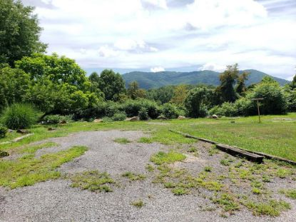 000 West Chapel Road Asheville, NC MLS# 3646134