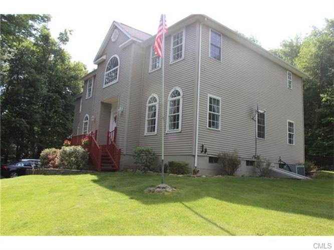 61 Luther DRIVE, Southbury, CT 06488