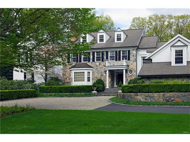 15 Oakwood Lane, Greenwich, CT 06830