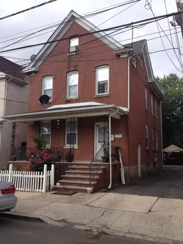 121 Vosseller Ave, Bound Brook, NJ 08805