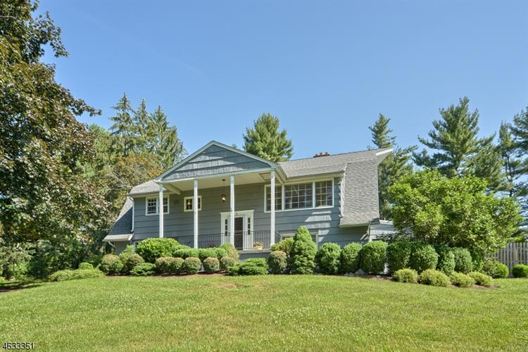 1 Frederick Pl, Chester Twp, NJ 07930