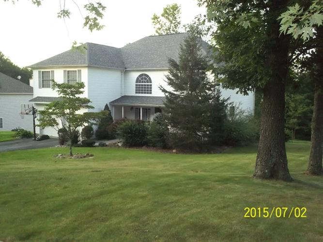 15 Boa Vista Dr, Jefferson Twp, NJ 07849