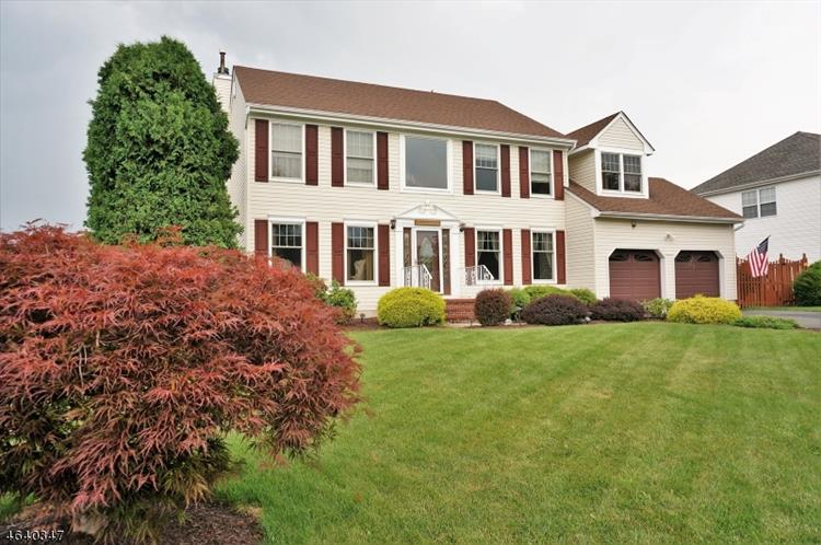15 Mulligan Drive, Mount Olive, NJ 07836