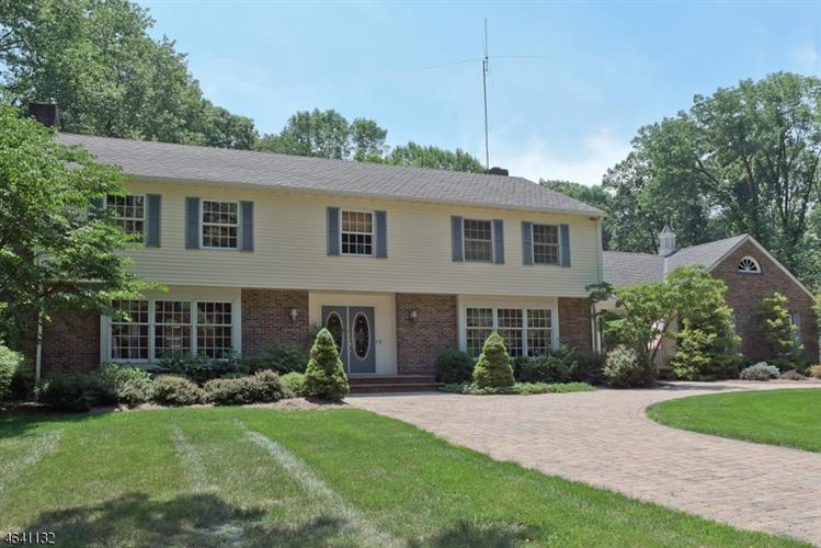 1464 Sussex Tpke, Randolph, NJ 07869