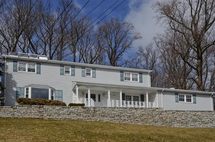 137 Ormont Rd, Chatham Twp., NJ 07928