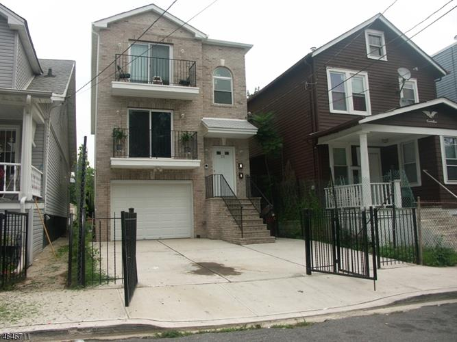 23 Edwin Pl, Newark, NJ 07112