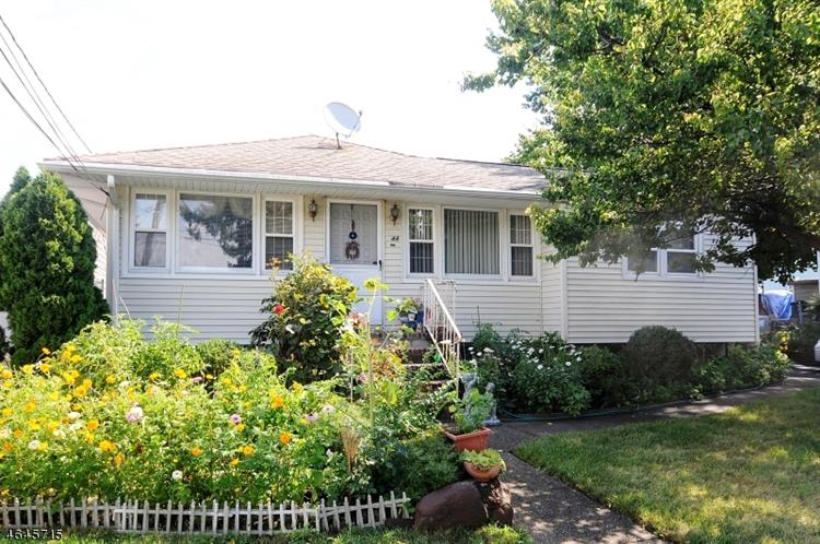 44 Young Ave, Totowa Boro, NJ 07512