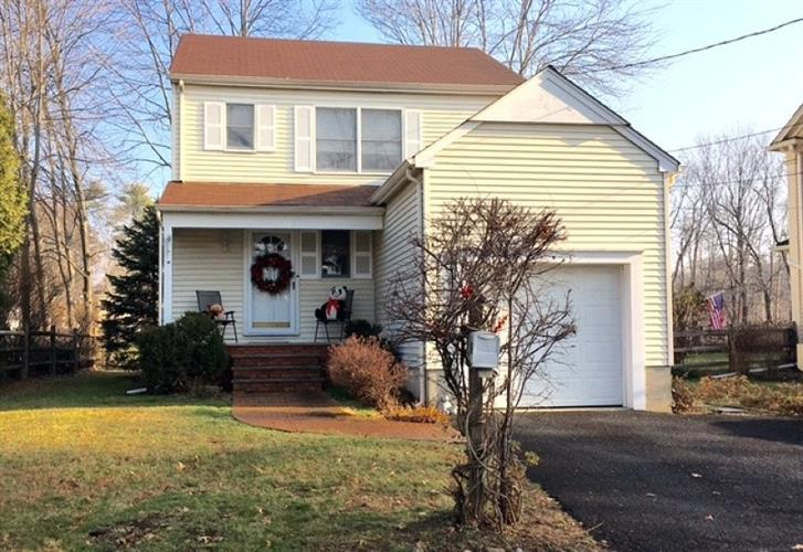 39 Lake Rd, Chatham Twp., NJ 07928