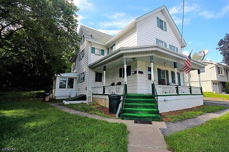 3 Fourth St, Sussex, NJ 07461