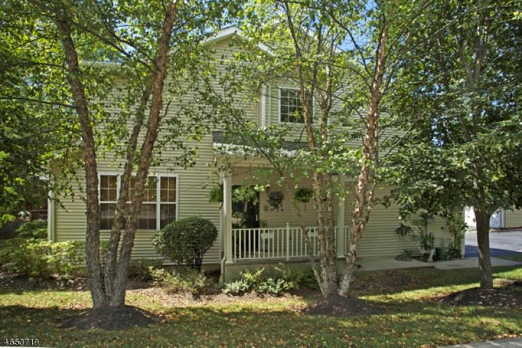 1 Old Orchard Ct, Clinton Town, NJ 08809