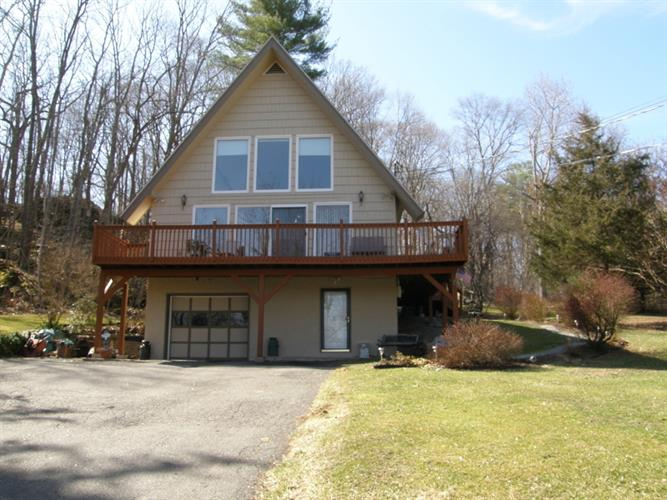 9 Bear Cave Rd, Blairstown, NJ 07825
